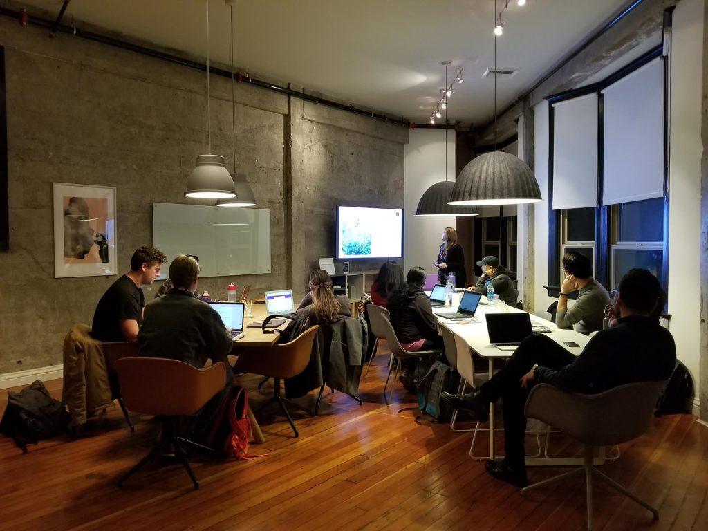 Un organisme de formation Machine learning dispense un workshop